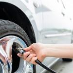 ¿Por qué debes comprobar la presión de los neumáticos?